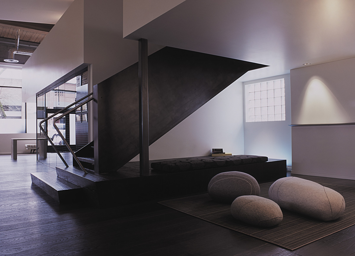 SkB studious lounge and staircase