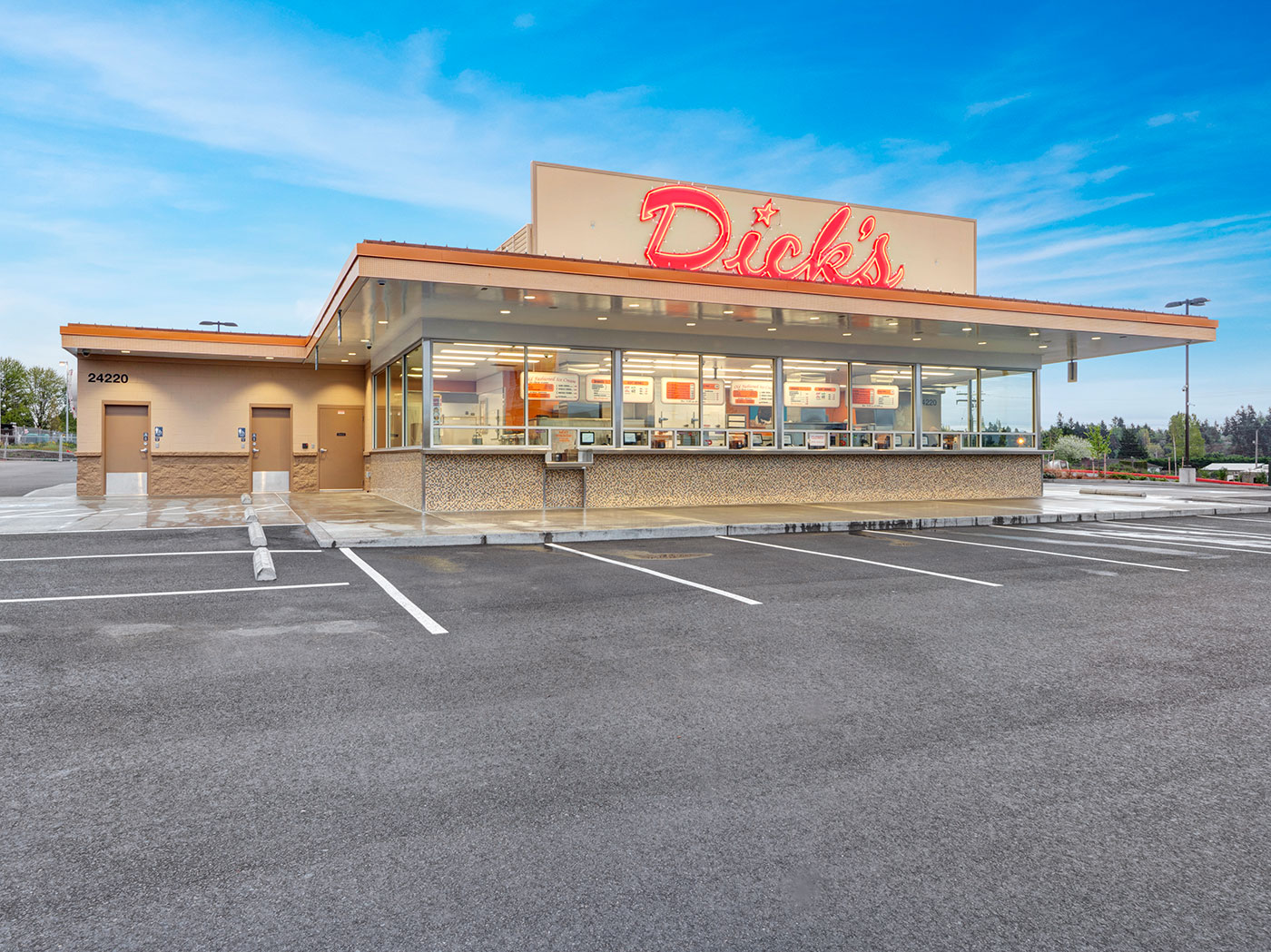 View of the front of the Dick's Drive-in